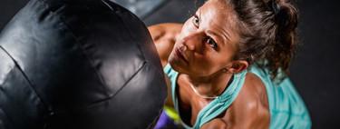 11 ejercicios de CrossFit que puedes hacer en el salón de tu casa y sin material