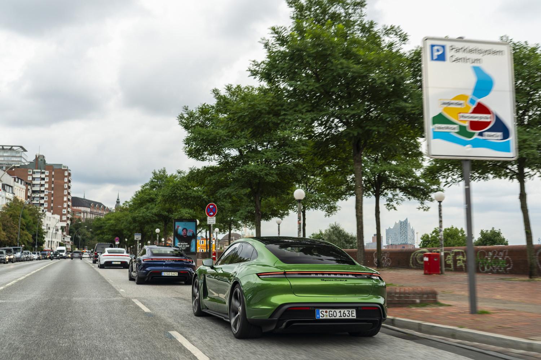 Foto de Porsche Taycan prueba contacto (135/275)