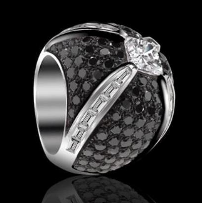 Sortija Isabelle de Edouard Nahum, armonía de diamantes