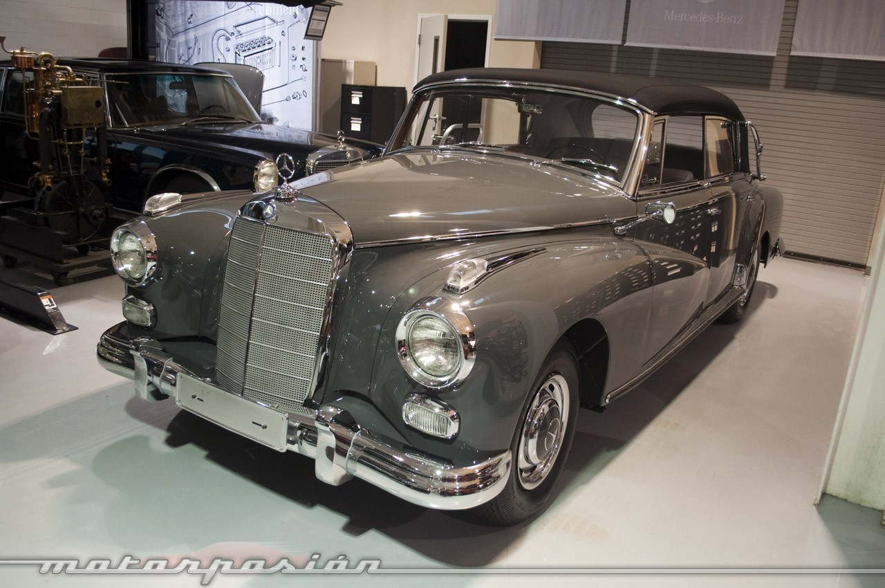 Foto de Mercedes-Benz Classic Center en Irvine, California (10/14)
