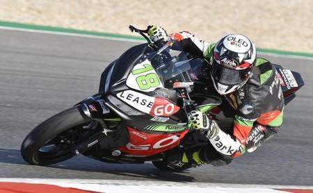 ¡Manuel González, histórico! Es el campeón más joven del motociclismo al triunfar Supersport 300