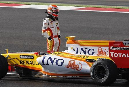 Nelsinho Piquet cuestionado antes de empezar a correr