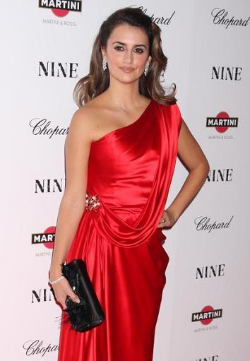 Alfombra roja en el estreno de Nine en Nueva York: el vestido de Penélope Cruz y look de demás asistentes