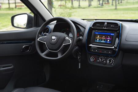 Dacia Spring 075
