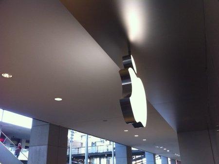 Así vivimos la inauguración en La Maquinista: Las Apple Store llegan a España por la puerta grande