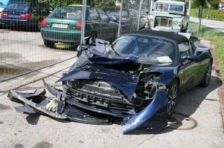 El Tesla Roadster accidentado consigue acabar su vuelta al mundo