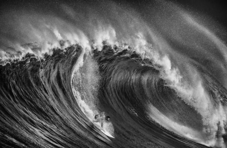Ive Spent A Month In Hawaii Photographing Stunning Waves And Surfers 2 880