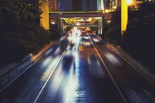 Guerra de estándares para el coche conectado: EEUU y China ya apuestan por el 5G mientras Europa sigue debatiendo sobre el Wi-Fi
