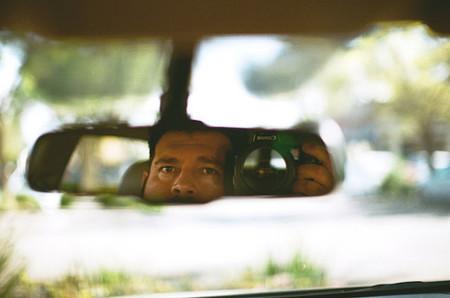 Cómo añadir una cámara de marcha atrás a tu coche si no la trae de serie. Guía de compra y modelos destacados