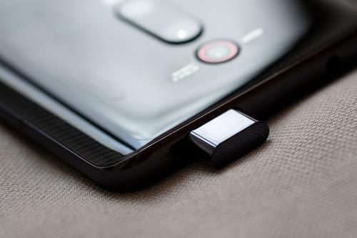 Alternativas al notch: nueve móviles con cámaras periscópicas para olvidar la ceja en la pantalla