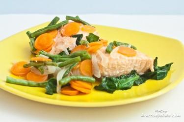 Salmón con verduras al vapor. Receta