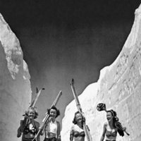 Tardes de chimenea, nieve y clones. Nueva colección de Stradivarius Otoño 2011