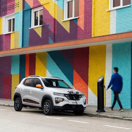Se busca urbanita, sostenible, digital, asequible y con estilo: claves para dar el salto al coche 100 % eléctrico