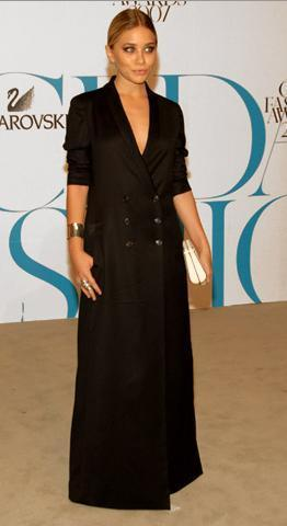 Ashley Olsen vistió de The Row en los CFDA