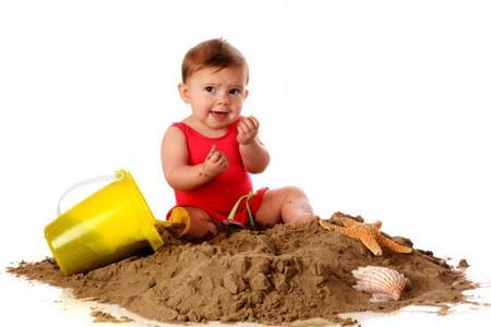 El bebé ha comido tierra: ¿qué hago?
