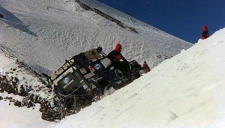 Coronando Europa a la rusa, en un Land Rover Defender