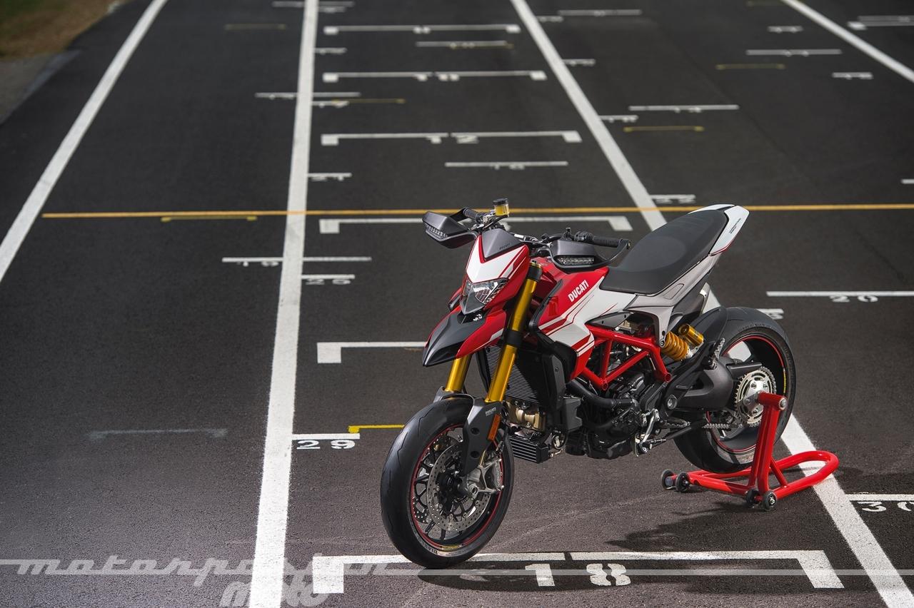 Foto de Ducati Hypermotard 939 SP (9/25)
