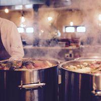 Ofertas del día de Amazon para nuestra cocina: ollas WMF, sandwicheras Russell Hobbs o sartenes Bergner