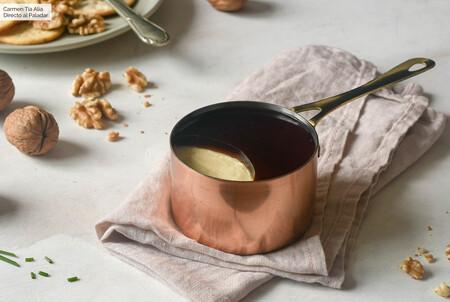 Receta fácil y rápida de paté de queso con gelatina de Pedro Ximénez (con y sin Thermomix): el aperitivo perfecto para amantes del queso