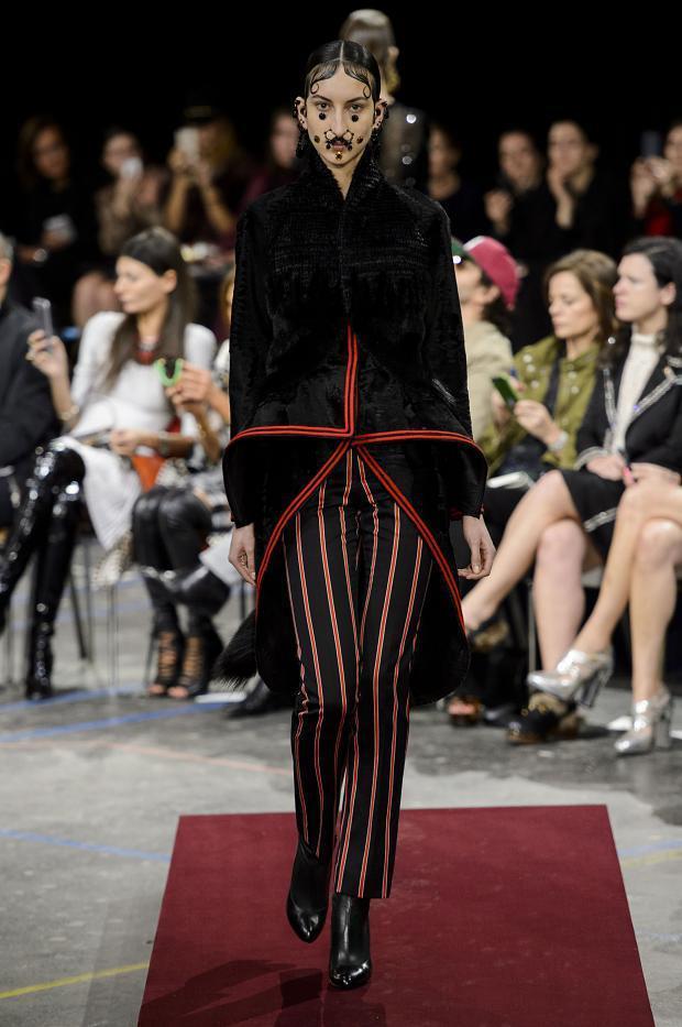Foto de Givenchy colección Otoño-Invierno 2015/2016 (24/47)