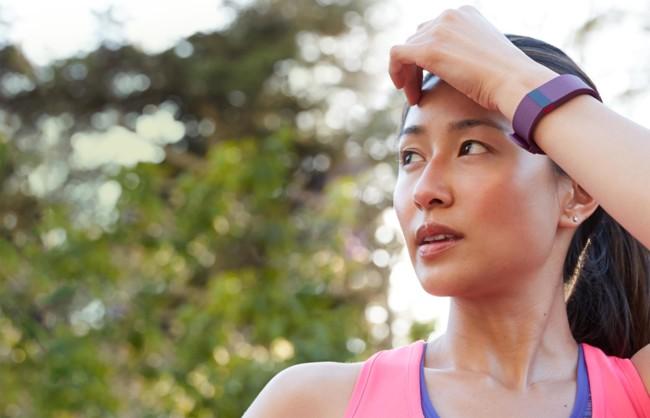 Fitbit lidera la venta de wearables en el segundo trimestre, le persigue Xiaomi con sus pulseras asequibles