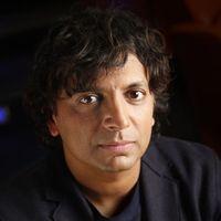 Apple ficha a M. Night Shyamalan para producir una serie en clave de thriller psicológico