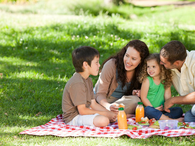 Comer al aire libre, en familia y con seguridad