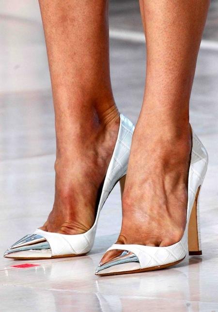 ¿Dónde podemos encontrar los zapatos Louis Vuitton en versión low-cost? En Zara, ¿dónde si no?