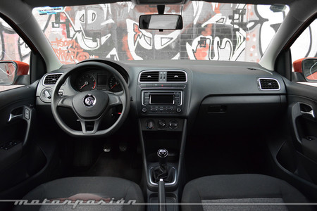 Volkswagen Polo 2015 Interior