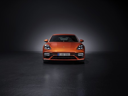 Porsche Panamera 2021 frontal