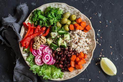 Vegetariano y vegano: cuáles son sus diferencias y un menú diario para cada uno de ellos