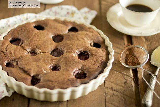 Tarta de chocolate y ciruelas negras