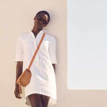 Vestidos y camisas blancas para el verano y cómo combinarlas con mucho estilo (y mucho low cost)