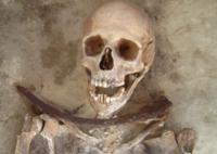 Esto es lo que sabemos de la gente que fue enterrada como vampiros en la Polonia medieval