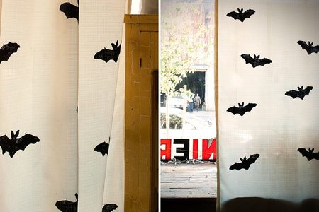 Hazlo tú mismo: cortinas de murciélagos para Halloween