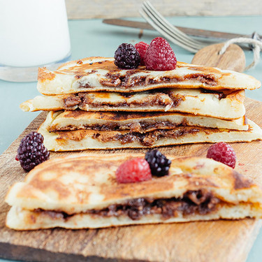 Hot cakes rellenos de chocolate. Receta
