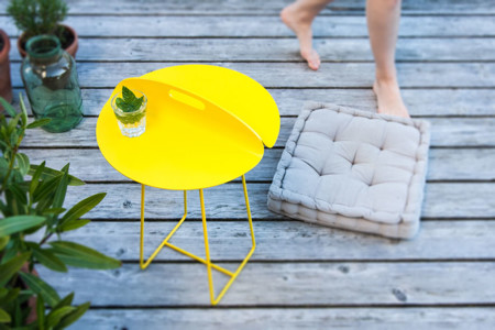 mesa amarilla
