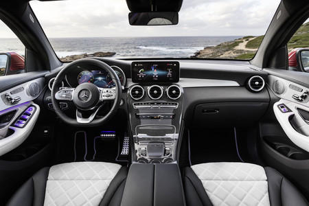 GLC Coupe 2019 interior