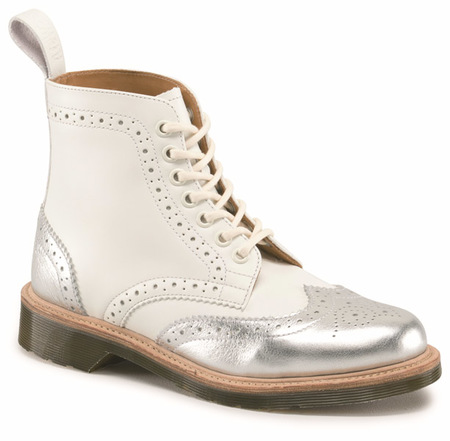 Dr.Martens_MIE Crafted plata y blanco
