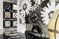 Más que un showroom una galería de arte de Francisco Vallejo en Marbella