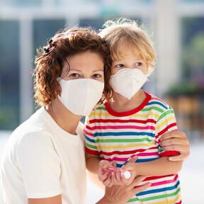 Los consejos de los pediatras para el cuidado de la piel de los niños con dermatitis atópica durante la pandemia