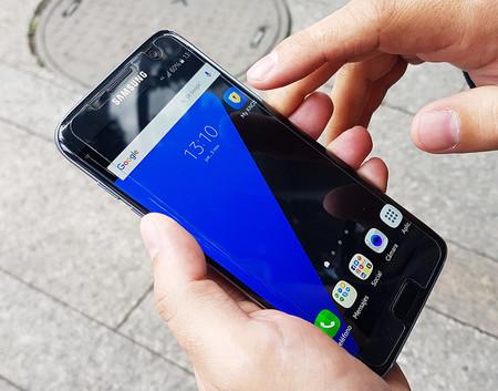 ¿Cómo puede un smartphone detectar y detener un ciberataque para proteger su data?