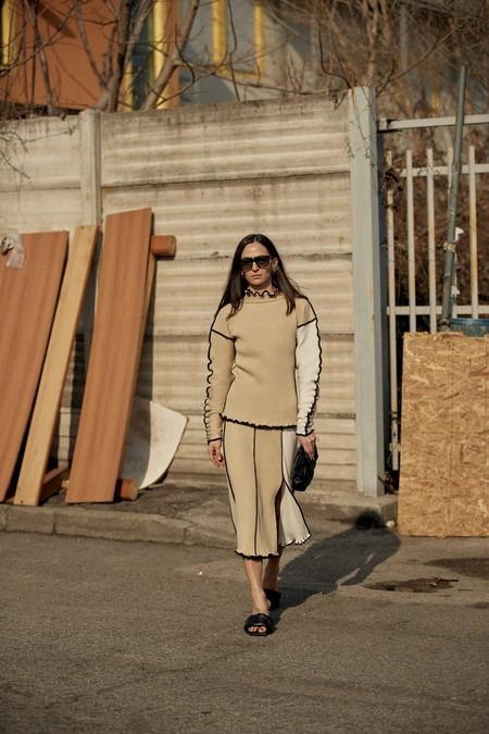 como combinar el beige street style
