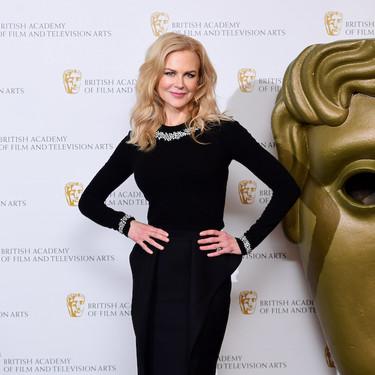 Nicole Kidman nos muestra que un total look negro puede ser perfecto para estas fiestas