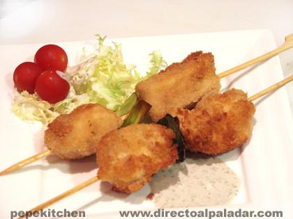 Brochetas de pollo rebozado con especias receta - Como preparar pinchos de pollo ...