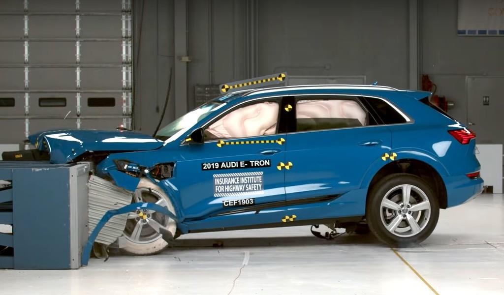 El Audi e-tron es el coche eléctrico más seguro del mercado estadounidense, según las pruebas del IIHS