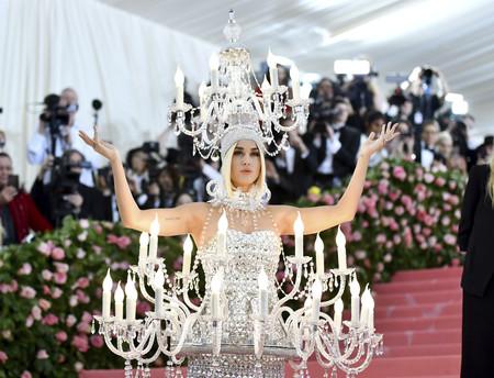 Gala MET 2019: Katy Perry se escapa del reparto de 'La Bella y la Bestia' vestida de chandelier