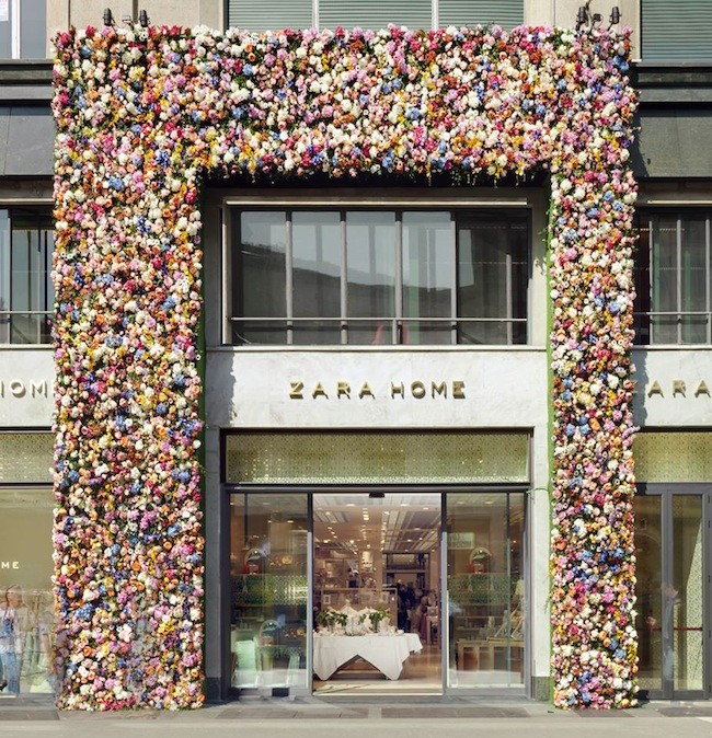 Thierry boutemy llena de flores la fachada de zara home for Decoracion casa zara home