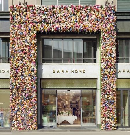 Thierry Boutemy llena de flores la fachada de Zara Home para el Salone del Mobile de Milán