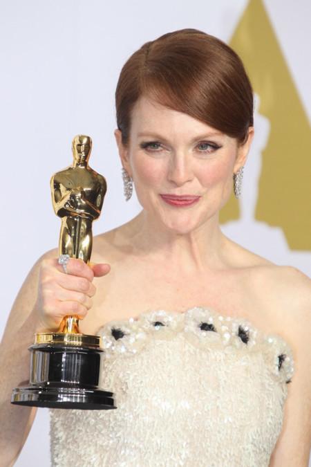 Todos los vestidos de las mejores actrices durante 86 años de los Oscar (Julianne Moore se une al club)